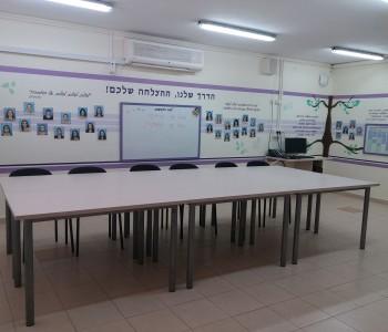 חדר מורים מעוצב אחרי השדרוג